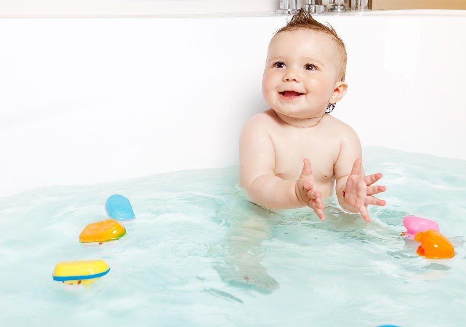 როგორ ჩავატაროთ ცურვის გაკვეთილები ჩვილებისათვის შინ და როგორ მოვემზადოთ საცურაო აუზისათვის
